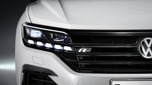 Передняя оптика обновленного Фольксваген Туарег 2018 модельного года
