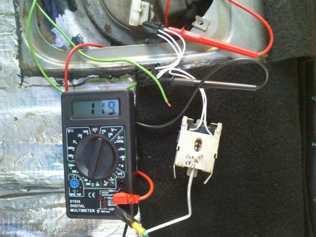 Замер сопротивления цепи датчика уровня топлива в бензобаке на ВАЗ-2110