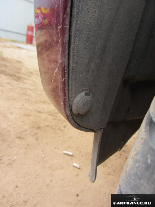 Клипса крепления бампера и брызговика к кузову Сузуки Гранд Витара
