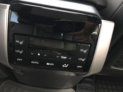 Блок управления обогрева задних сидений в Тойота Прадо 2019 года выпуска