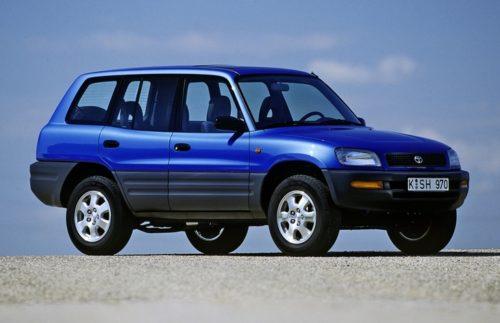 Синий кроссовер Тойота РАВ 4 первых лет производства модели