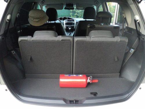 Небольшое багажное отделение в Тойота Версо 2019 модельного года в семиместной версии
