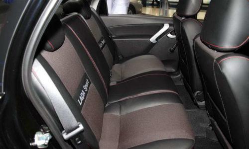Удобные сидения заднего ряда в автомобиле Лада Гранта спорт 2019 года выпуска