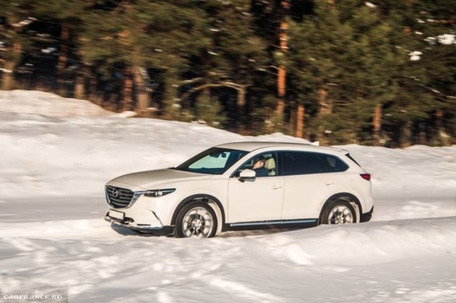 Тест-драйв в заснеженном поле новой модели Mazda CX-9 2019 года выпуска