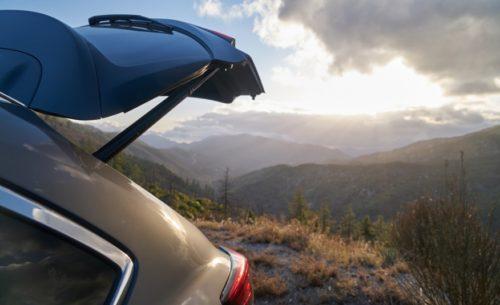 Стильный изгиб крышки багажника в Mazda CX-9 2019 модельного года