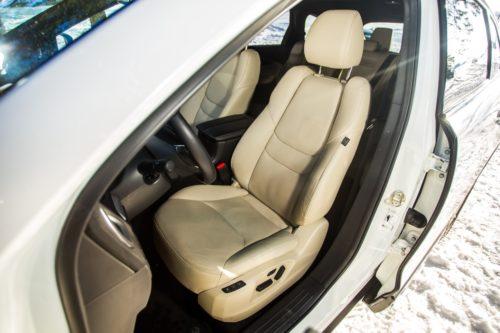 Удобное сидения водителя в Mazda CX-9 2019 года производства