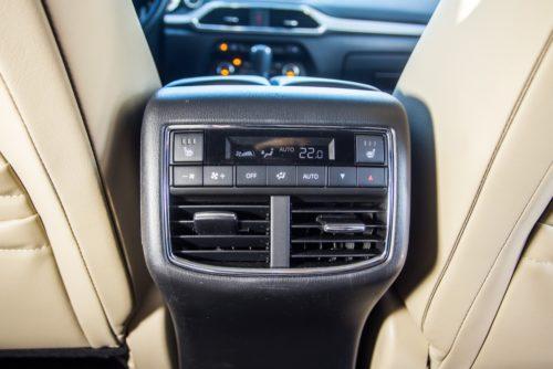 Блок управления климатом для задних пассажиров в Mazda CX-9 2019 модельного года