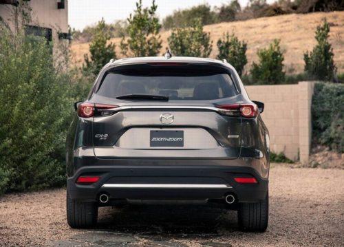 Фонари оригинальной формы в задней части автомобиля Mazda CX-9 2019 года