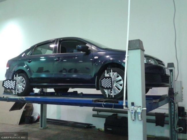 Регулировка угла наклона колёс на Фольксваген Поло седан после замены стойки