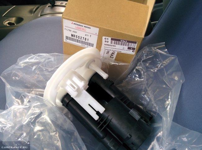 Топливный фильтр тонкой очистки MITSUBISHIартикул MR552781 для седана Митсубиси Лансер 9