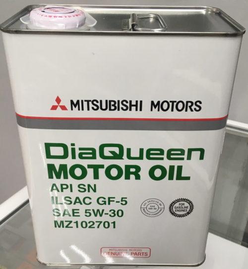 Металлическая канистра с маслом DiaQueen 5W-30 SM/GF-4 для мотора 1,6 л в Митсубиси Лансер 9