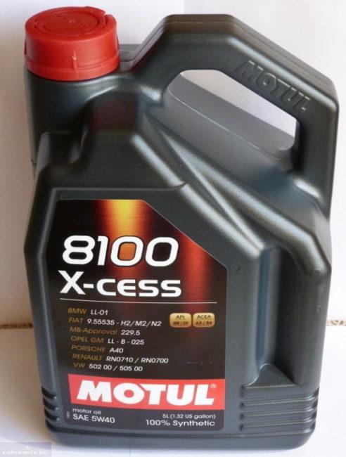 Масло Масло Motul 8100 X-cess в канистре емкостью 4 л для Фольксваген Тигуан