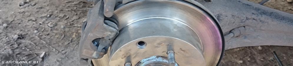 Задняя тормозная система на Митсубиси Лансер 9 без колеса