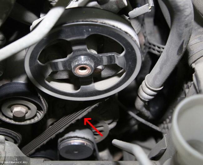 Износ ремня обводного ремня на Митсубиси Лансер 10 с двигателем 1.5