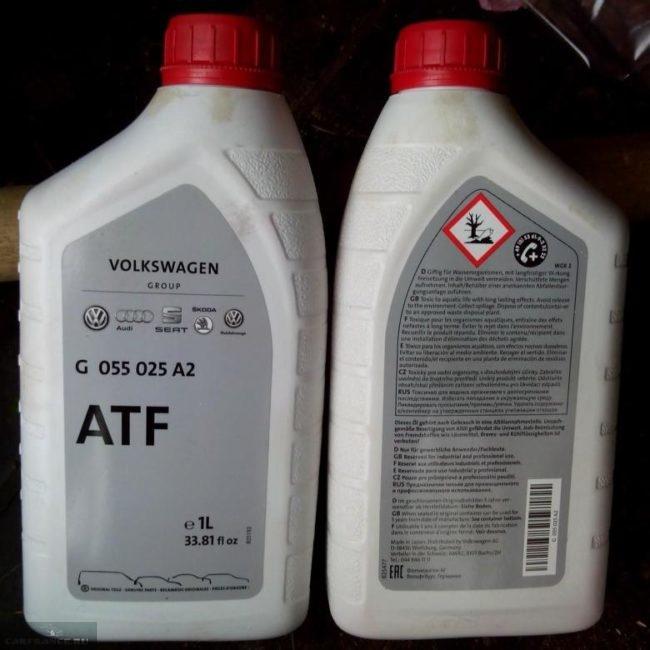 Внешний вид упаковки с оригинальным маслом VAG ATF G055025A2 для Фольксваген Поло седан