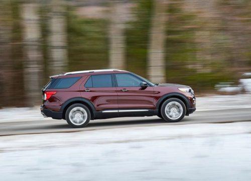 Выштамповки на боковой части кузова Форд Эксплорер 2020 модельного года