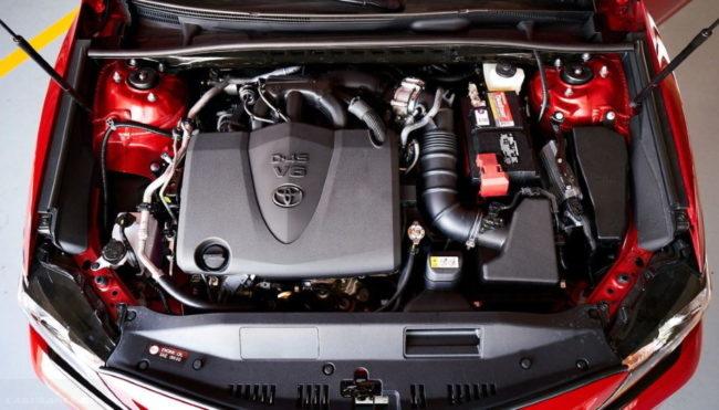 6-цилиндровый двигатель под капотом Toyota Camry 2020 модельного года