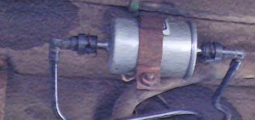 Новый топливный фильтр вблизи после установки Лада Приора универсал