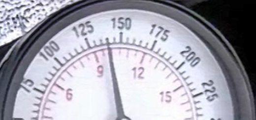 Низкая компрессия 9,8 атмосфер на втором цилиндре двигателя Лада Приора