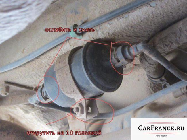 Схема демонтажа топливного фильтра на Лада Приора седан 2007 года выпуска