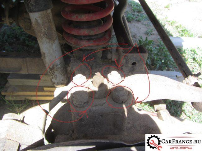 4 гайки крепления рулевой сошки на Уаз Патриот к поворотному кулаку